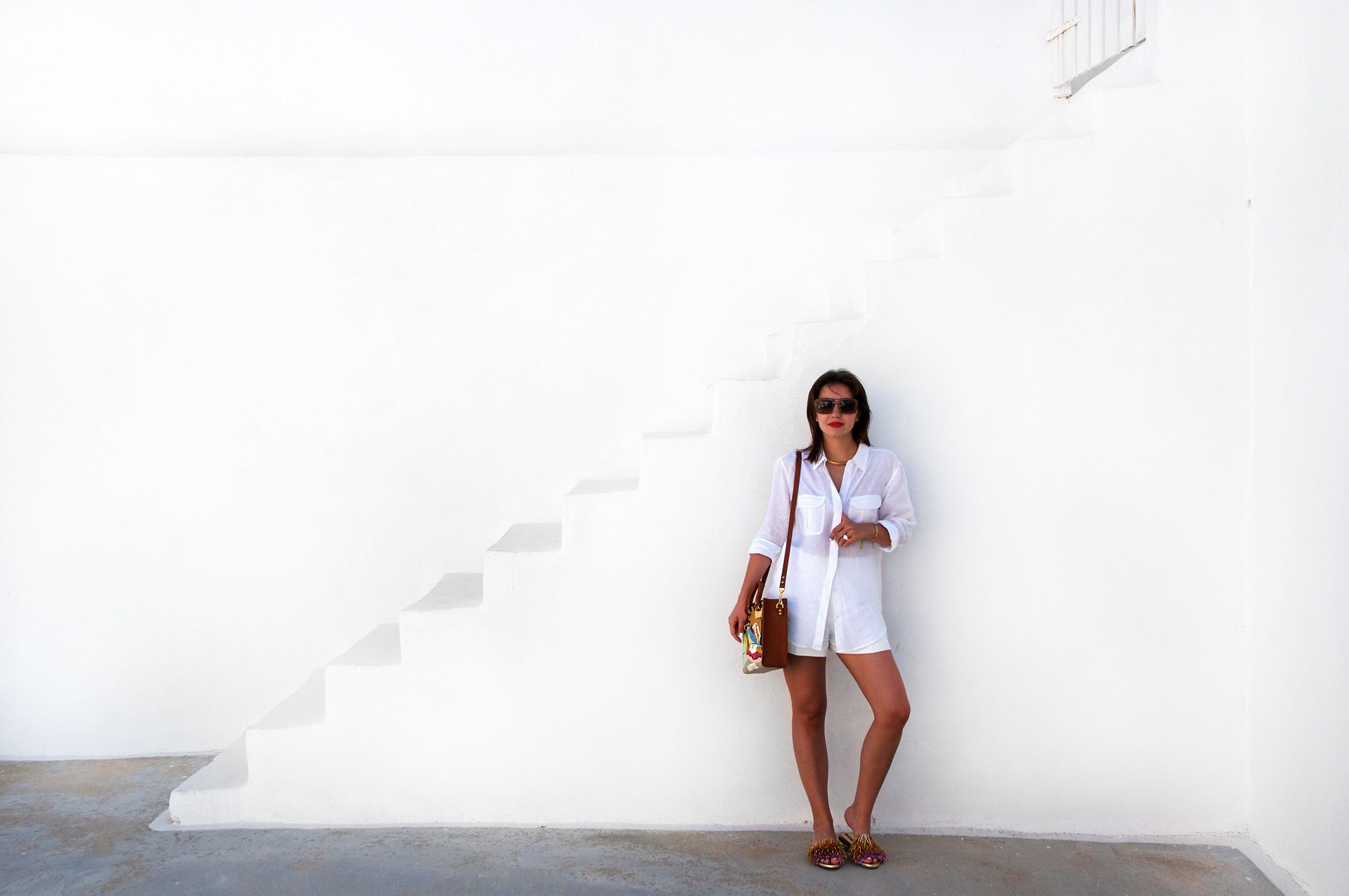 7 More Minutes. Fashion, travel and lifestyle blog by Alyona Gasimova. Santorini. Greece. Chasing The Sunset. www.7moreminutes.com