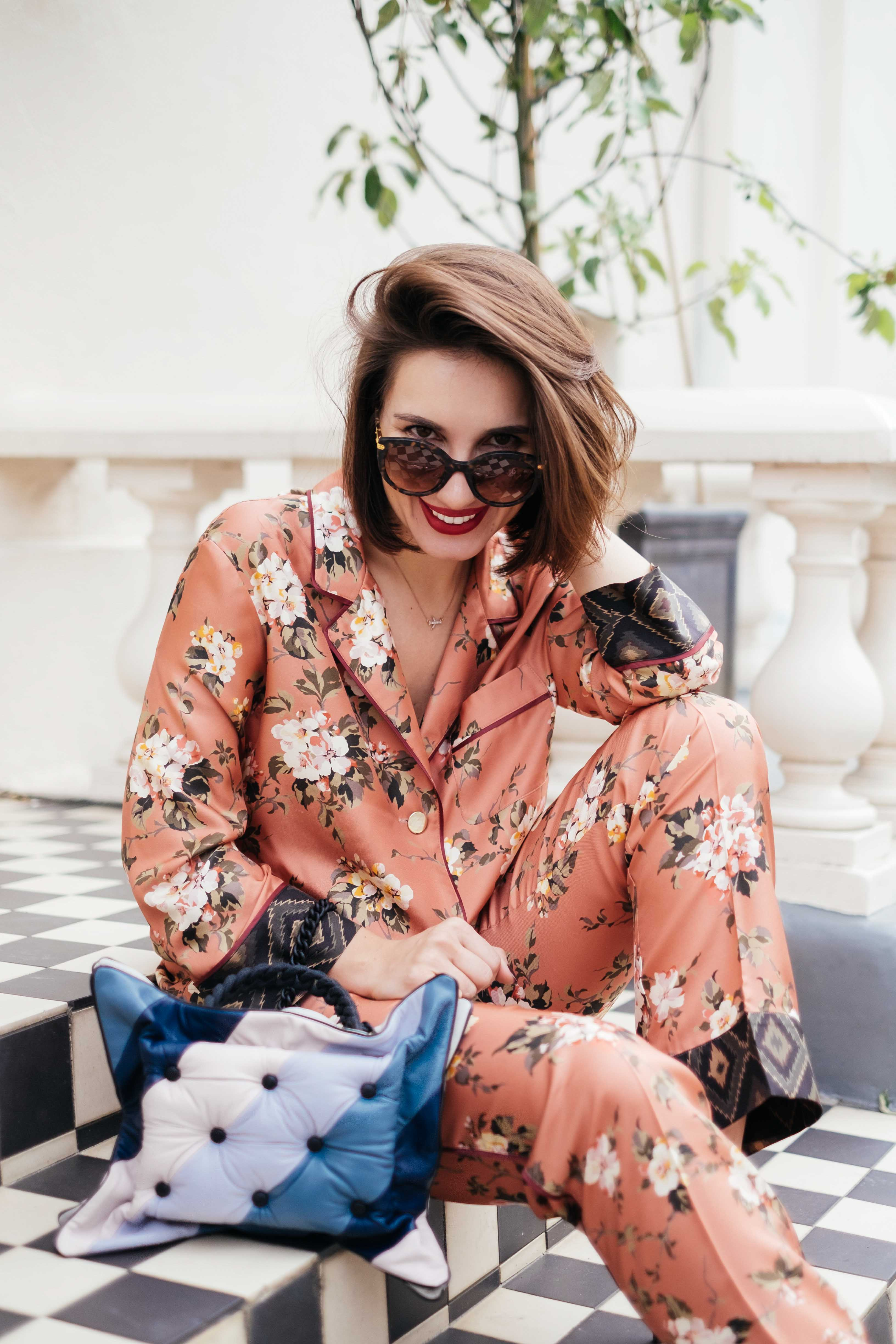 7 More Minutes. Fashion, travel and lifestyle blog by Alyona Gasimova. Почему Стоит Провести Понедельник В Пижаме. For Restless Sleepers. Pyjama as daywear. www.7moreminutes.com