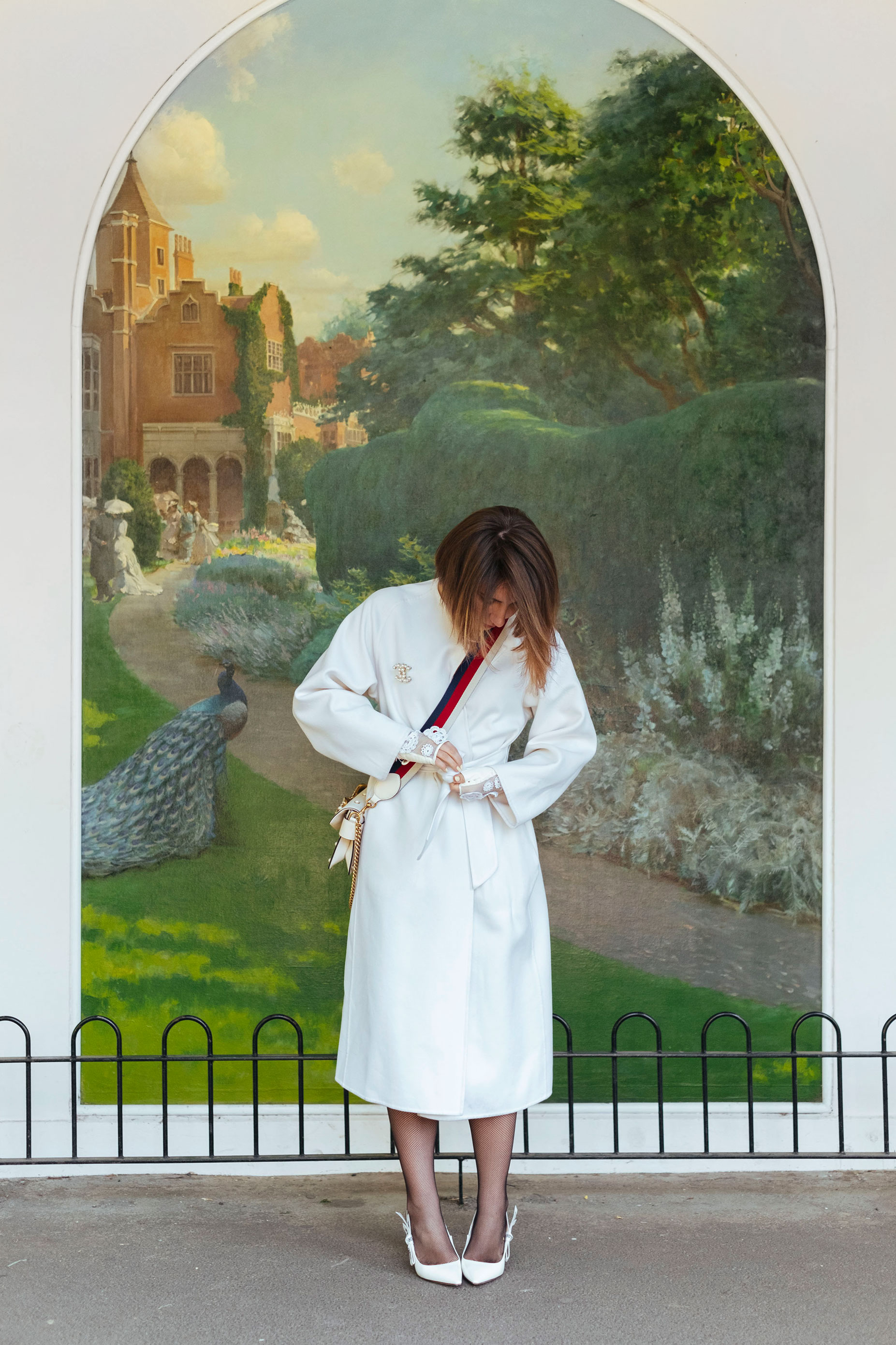 7 More Minutes. Fashion, travel and lifestyle blog by Alyona Gasimova. The Power Of White. 7 Reasons To Buy A White Coat Right Now. Max Mara. www.7moreminutes.com